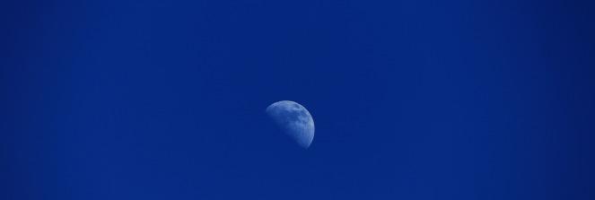moon-769918_1920